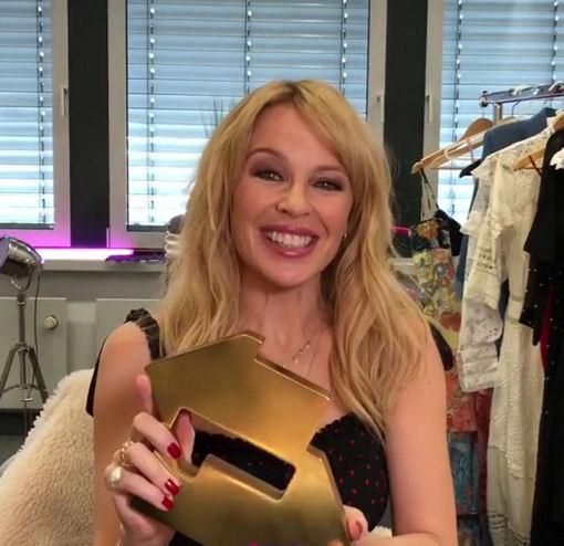 Kylie Golden nr.1 1…